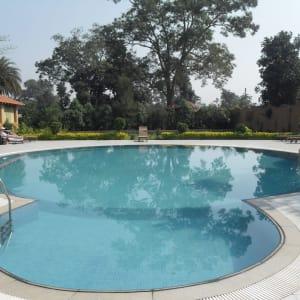 Tiger's Den Resort à Bandhavgarh: Pool