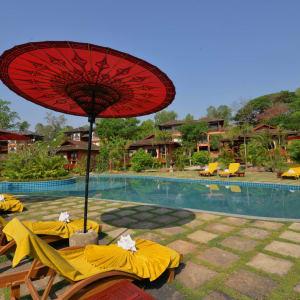 Popa Garden Resort à Bagan: Pool
