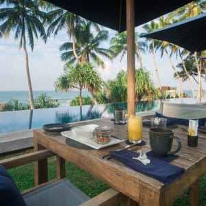 Kumu Beach Hotel à Balapitiya: Pool
