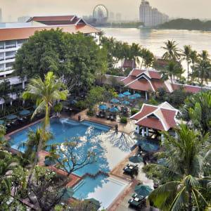 Anantara Riverside Bangkok Resort: Pool Aerial