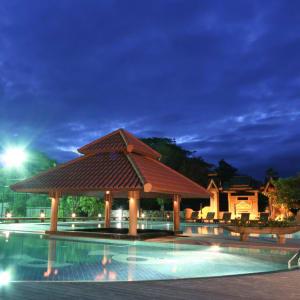 Rupar Mandalar in Mandalay:  Pool Area