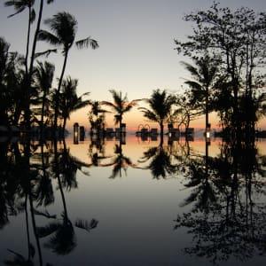Sandoway Resort à Ngapali: Pool at night