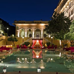 Samode Palace in Jaipur: Pool at night
