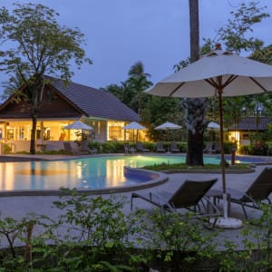 Paradise Beach Resort in Ko Samui: Pool Seaside
