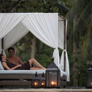 The Ubud Village Resort & Spa: pool side