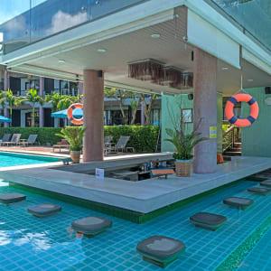 Sai Kaew Beach Resort in Ko Samed: Poolbar Hub-Zone