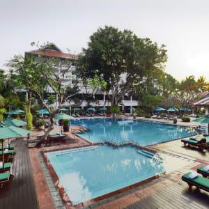 Anantara Riverside Bangkok Resort: Riverside Pool