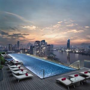 AVANI+ Riverside Bangkok Hotel: Roof Top Pool