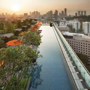 Jen Orchardgateway in Singapur: Rooftop Infinity Pool