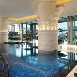The Peninsula Hong Kong: Swimming Pool