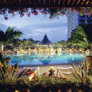 Swissotel The Stamford in Singapur: Swimming Pool