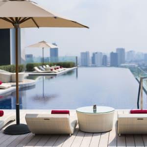 AVANI+ Riverside Bangkok Hotel: Swimming Pool
