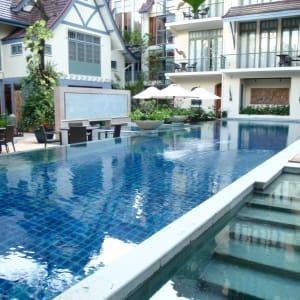 Ariyasom Villa in Bangkok: Swimming pool