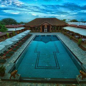 Bagan Lodge: Swimming Pool