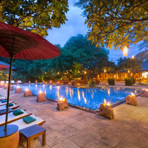 The Hotel @ Tharabar Gate in Bagan: Swimming Pool at the evening