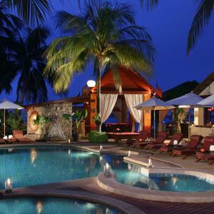 Zazen Boutique Resort & Spa in Ko Samui: Zazen's pool at Sunset