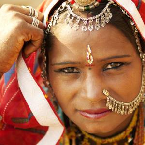 Indien für Geniesser ab Delhi: Rajasthan: Woman