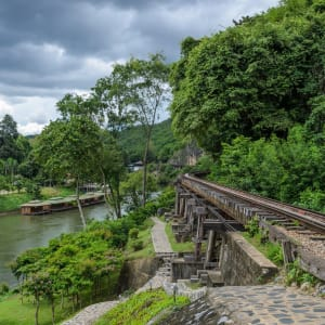 River Kwai Soft Adventure & Elefanten Erlebnis ab Bangkok: River Kwai: Death Railway in World War II