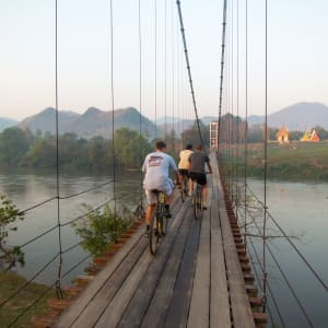 River Kwai Soft Adventure & Elefanten Erlebnis ab Bangkok: River Kwai: suspension bridge