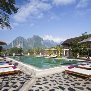 Überland von Luang Prabang nach Vientiane - 3 Tage: Riverside Boutique Resort Vang Vieng