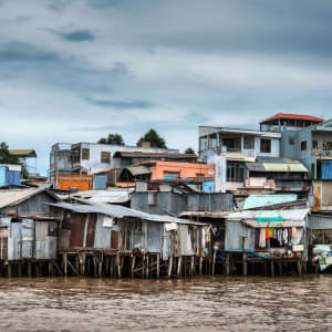 Le fascinant delta du Mékong - de/à Saigon: Riverside stilt houses in the Mekong Delta, south west of Can Tho