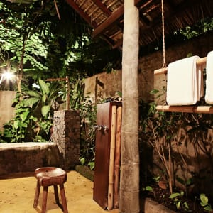 Tugu Lombok: Bhagavat Gita Suite | Outdoor Bathroom