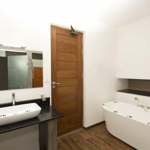 Aliya Resort & Spa in Sigiriya: Deluxe | Bathroom