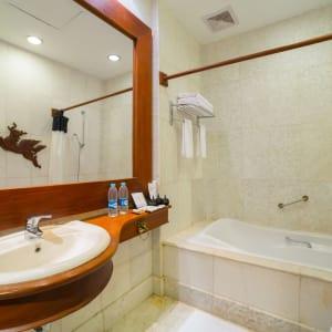 The Hotel @ Tharabar Gate in Bagan: Deluxe | Bathroom