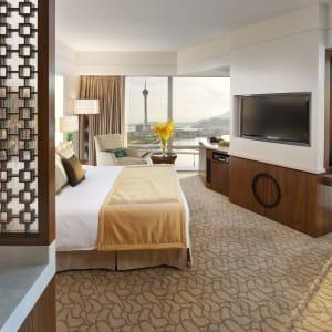 Mandarin Oriental Macau à Macao: Deluxe Corner View
