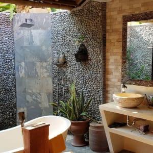 Puri Dajuma in Nordbali: Deluxe Cottage Garden View   VIP Cottage Ocean View   Bathroom