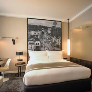 Hotel Stripes Kuala Lumpur: Deluxe | Kingbed