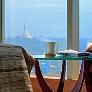 Jasmine Palace in Yangon: Deluxe   Living Room