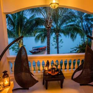 Anantara Hoi An Resort: Deluxe River View Suite   Balcony