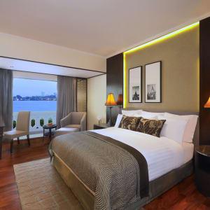 Anantara Riverside Bangkok Resort: Deluxe Riverview Room