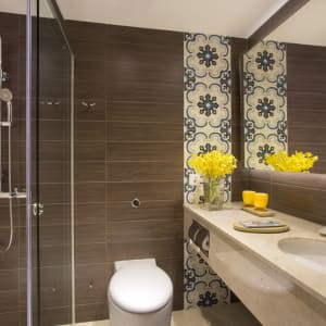 Orchard Rendezvous à Singapour: Deluxe Room   Toilet and Shower