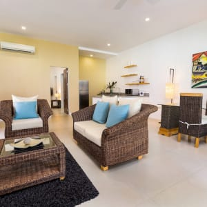 Atmosphere Resort in Negros: Garden Apartment   living room