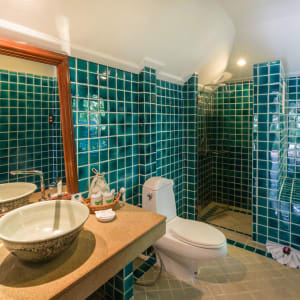 Fair House Beach Resort & Hotel à Ko Samui: Grand Deluxe Bungalow | Bathroom