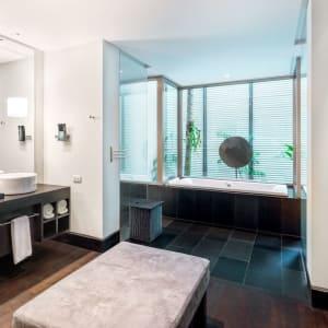 Twinpalms Phuket: Grand Deluxe Palm Room | Bathroom