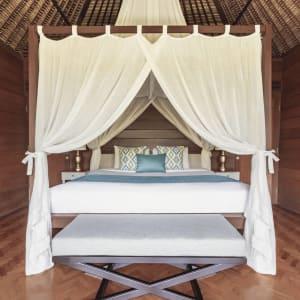 The Pavilions Bali in Südbali: Honeymoon Pool Villa | Bedroom