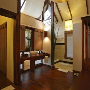 Pristine Lotus Resort in Inle Lake: Inle Lotus Villa | Bath & Dressing Room