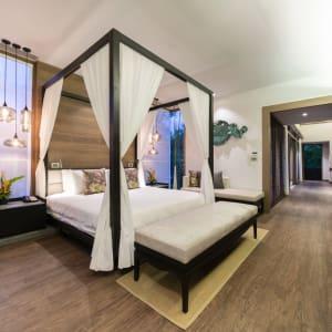 The Sarojin à Khao Lak: Jacuzzi Pool Suite |  bedroom