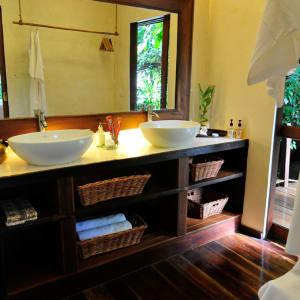 JapaMala Resort in Tioman:  Jungle Sarang | Bathroom