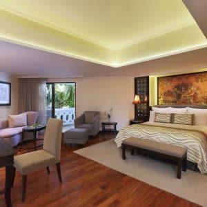 Anantara Riverside Bangkok Resort: Junior Premier Suite