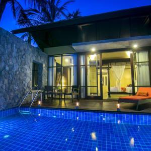 New Star Resort à Ko Samui: Ocean Pool Villa | View to the Bedroom