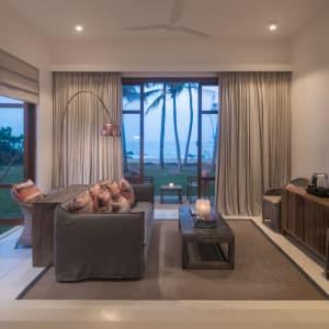 Kumu Beach Hotel à Balapitiya: Ocean View Suite