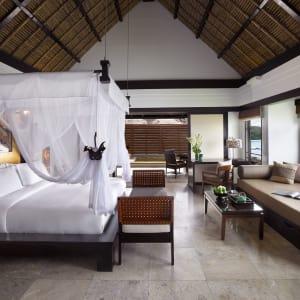 Banyan Tree Bintan: Ocean Villa On the Rock | Jacuzza