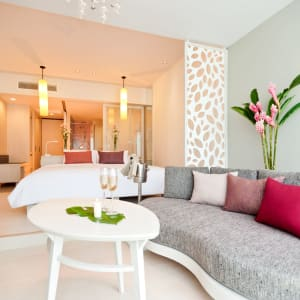 The Sands Khao Lak by Katathani: Pool Access Junior Suite | Living Area (Lagoon Wing)