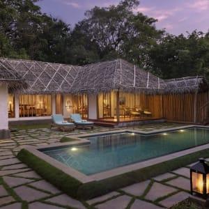 Evolve Back Kuruba Safari Lodge à Parc national de Nagarhole: Pool Reserve | Courtyard