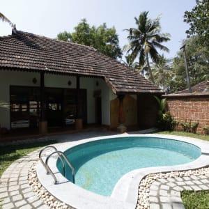 Beach Symphony in Mararikulam: Pool Villa