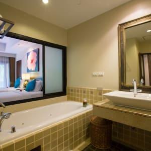 Fair House Beach Resort & Hotel à Ko Samui: Premier | Bathroom
